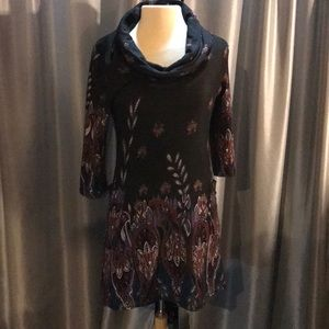 New fitted sweater dress, Cowl neck. Paisley print